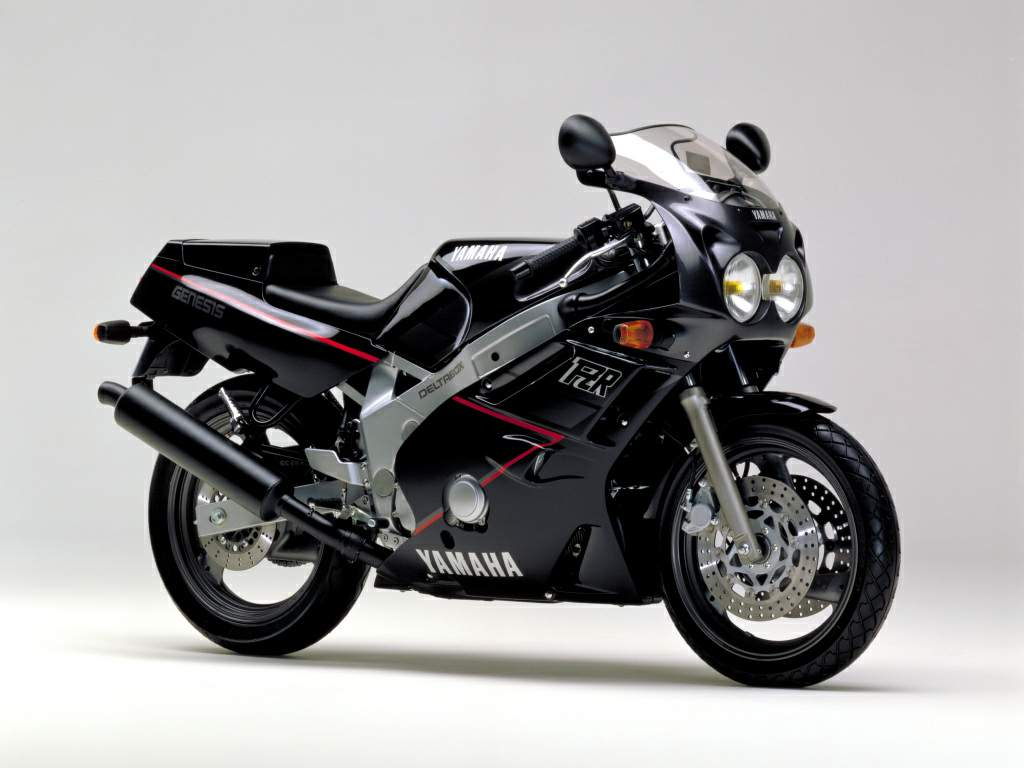 Yamaha FZR600 Genesis in black
