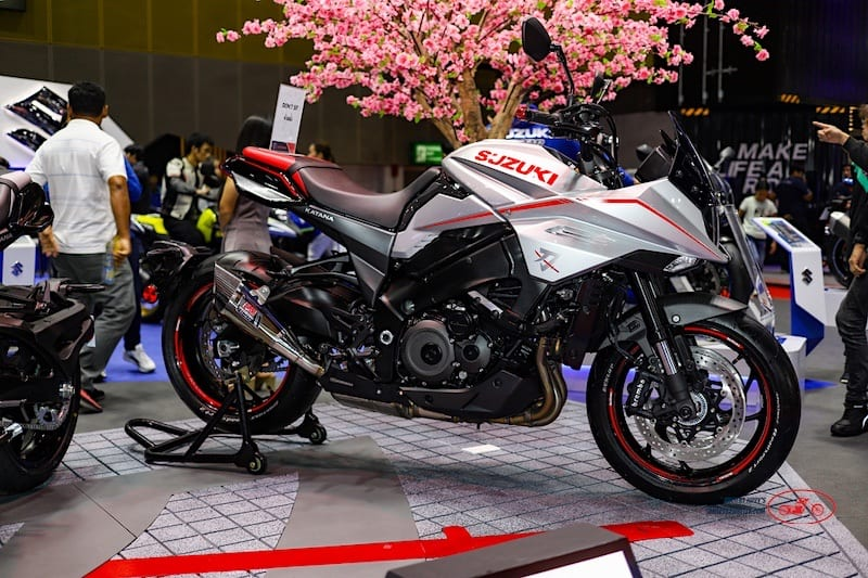 the latest Suzuki Katana maintains the original Katana styling