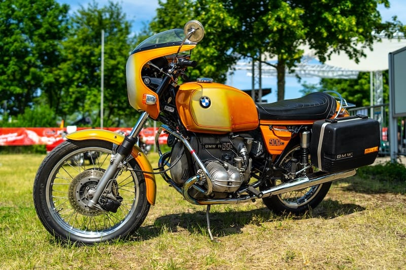 BMW R90s unmistakably a 1970s motorcycle