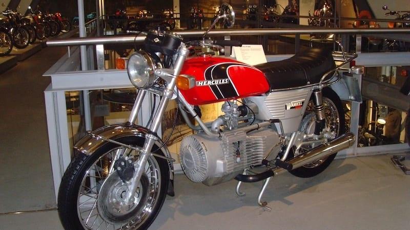 1974 Hercules W 2000