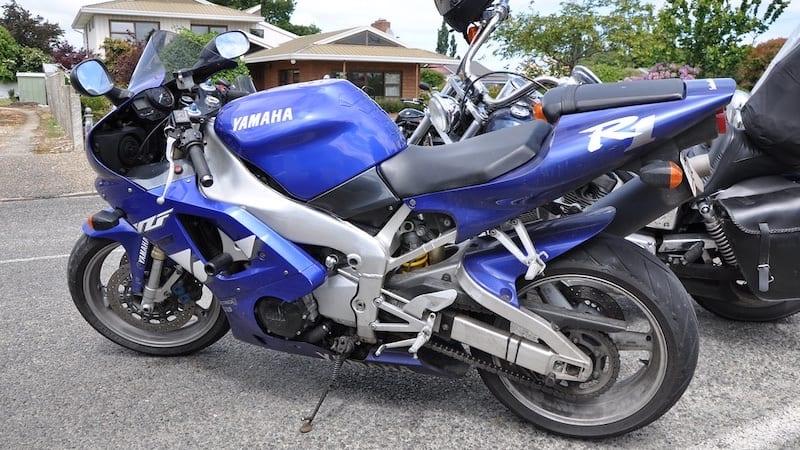 Yamaha R1 1998